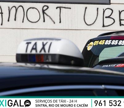 Taxistas franceses em protesto violento contra a UBER